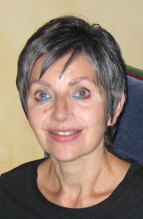 "The headshot photo of artist Linda Friedman Schmidt that appears on her website ""About"" page"